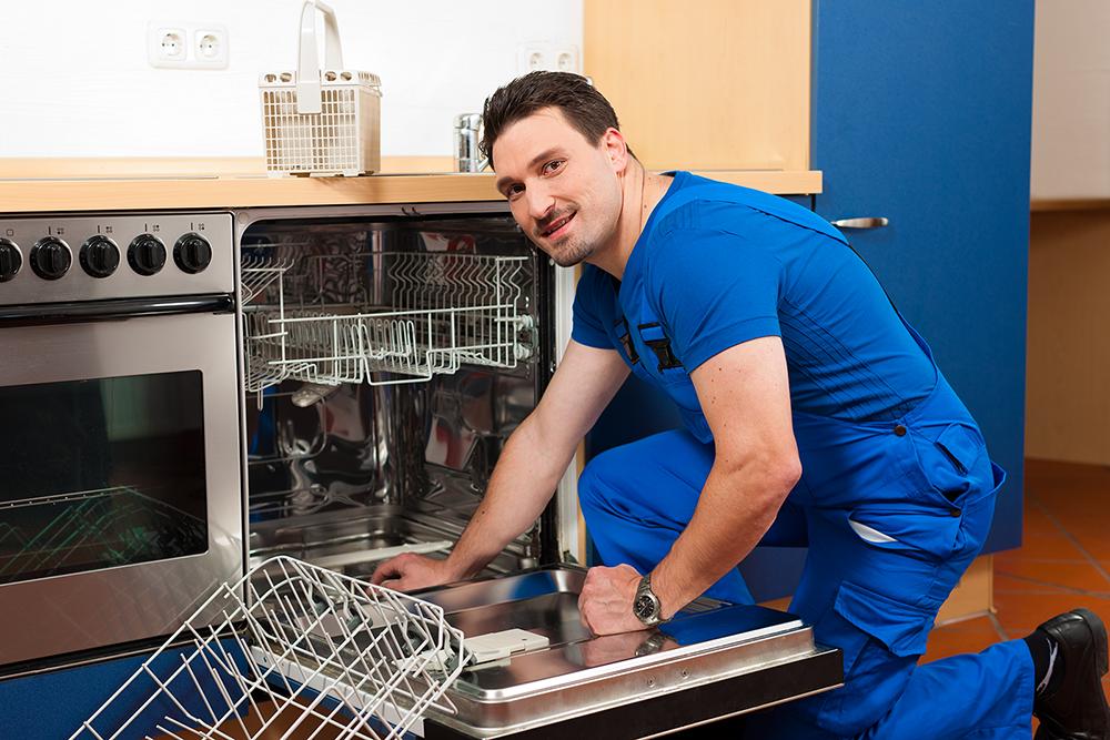 Cómo mantener y limpiar un lavavajillas